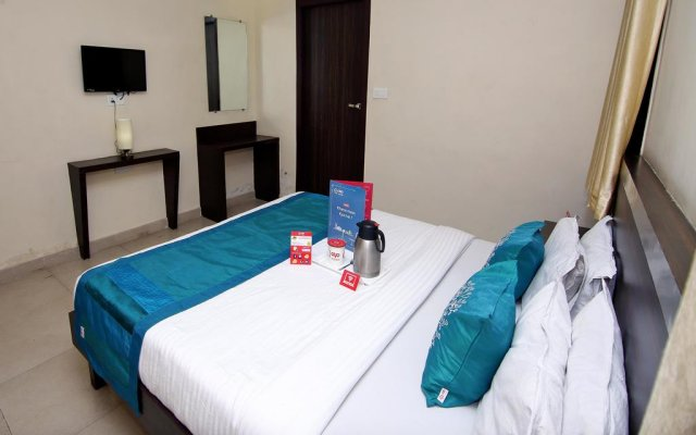 Отель OYO Rooms Railway Station Raipur комната для гостей