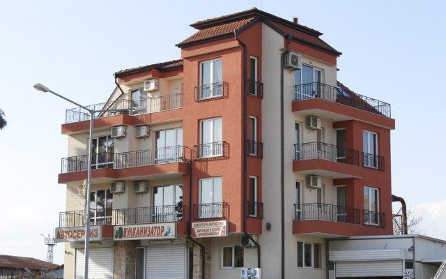 Отель Respekt Guest House вид на фасад