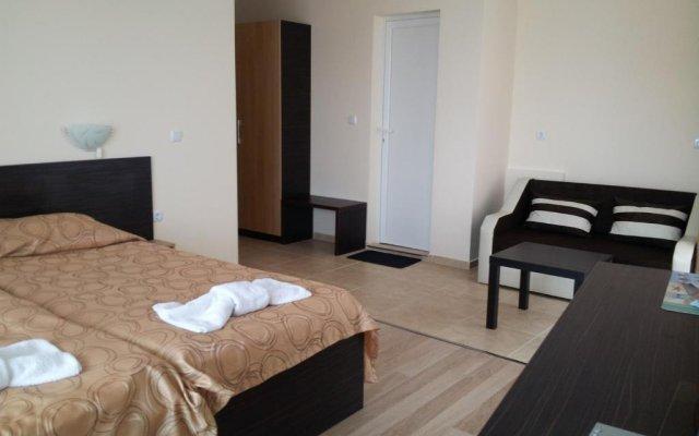 Отель Kozarov Family Hotel Болгария, Свети Влас - отзывы, цены и фото номеров - забронировать отель Kozarov Family Hotel онлайн комната для гостей