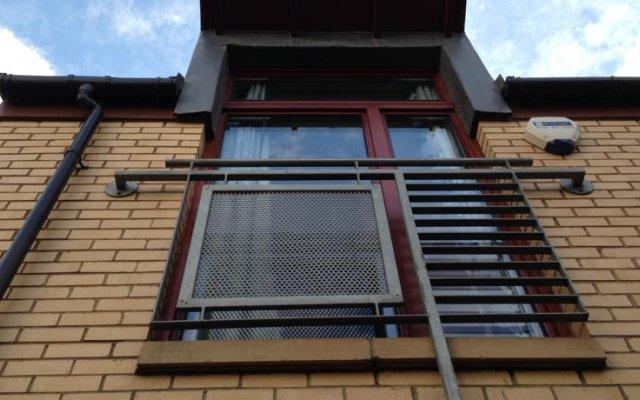 Отель Lomond Mews вид на фасад