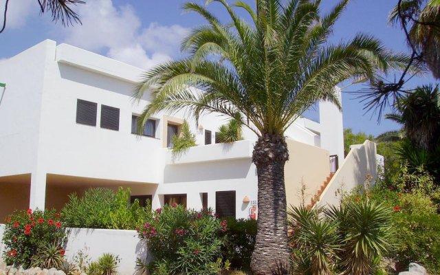 Отель Club Cala Azul вид на фасад