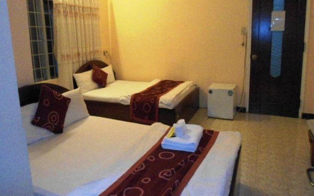 Отель Phuc Khang Guest House Далат комната для гостей