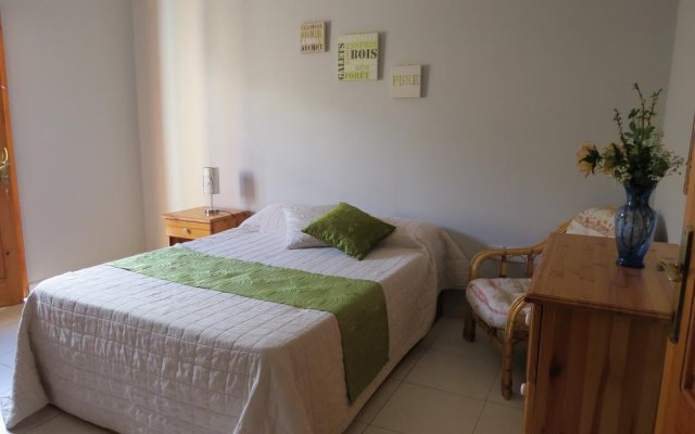 Апартаменты Mellieha Holiday Apartment 1 Меллиха комната для гостей