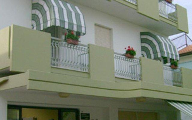 Hotel Carmen Viserba вид на фасад