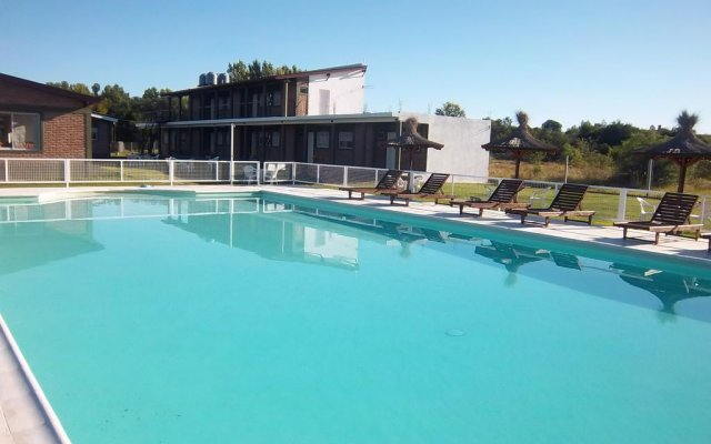 Отель Hostería Amutuy Аргентина, Вилья Кура Брочеро - отзывы, цены и фото номеров - забронировать отель Hostería Amutuy онлайн бассейн