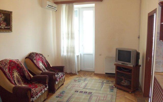 Отель RetroCity at Komitas Avenue Apartment Армения, Ереван - отзывы, цены и фото номеров - забронировать отель RetroCity at Komitas Avenue Apartment онлайн комната для гостей