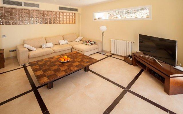 Отель Portals Nous Hills комната для гостей