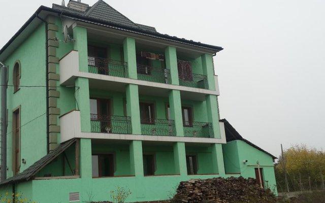 Hotel Parus вид на фасад