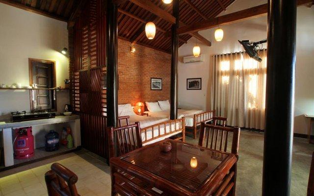 Отель Wooden House 3 Vacation Rental комната для гостей