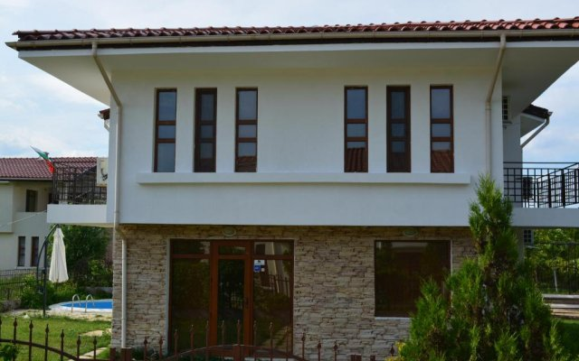 Отель Green Valley Guest Houses & SPA вид на фасад