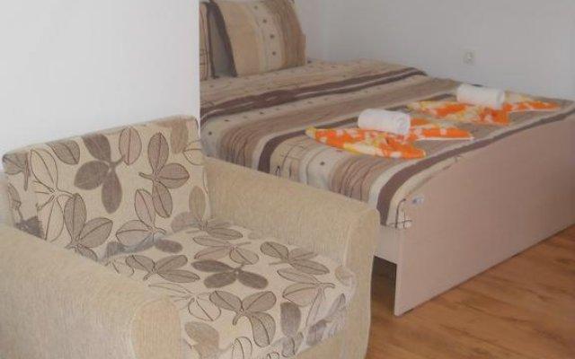 Отель Guest House Shareniya Most Чепеларе комната для гостей