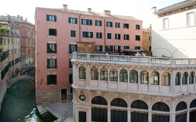 Отель Residence Corte Grimani вид на фасад