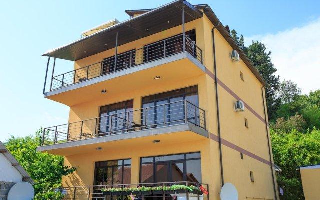 Мини-Отель Amosov's House вид на фасад