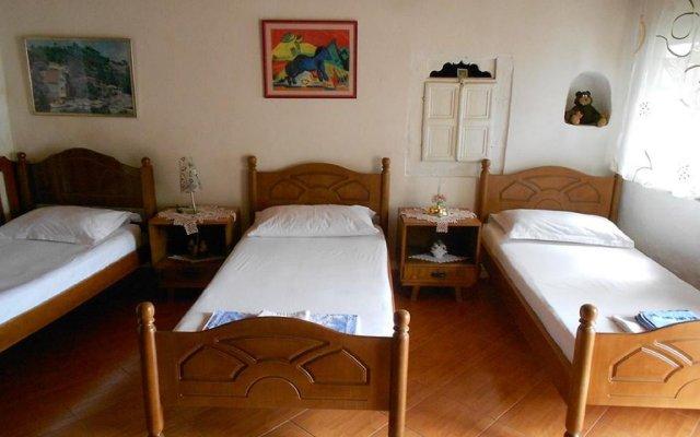 Отель Guest House Alvaro Берат комната для гостей