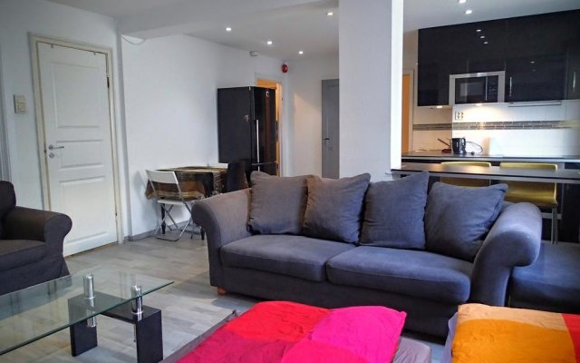 Апартаменты Mainou´s Studio Apartments комната для гостей