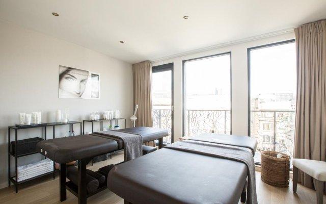 Отель Chambre Avec Jacuzzi Sauna Privatif Брюссель комната для гостей