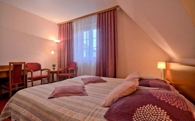 Отель Pensjonat Cicha Woda Косцелиско комната для гостей