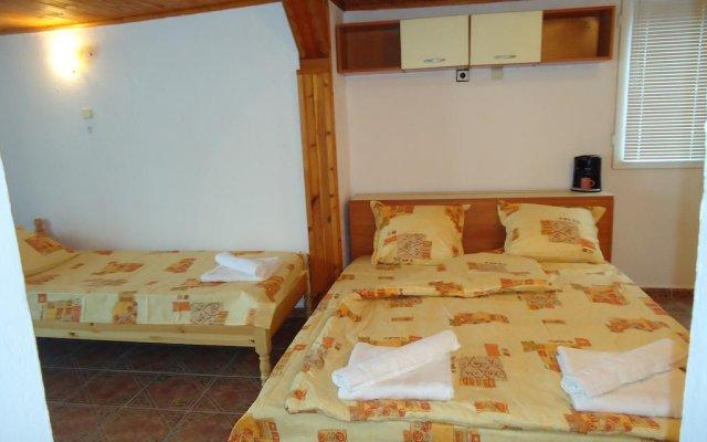 Отель White Dove Guest House Балчик комната для гостей