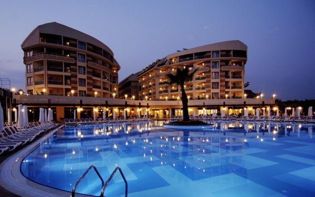 Seamelia Beach Resort Hotel & Spa Турция, Чолакли - 1 отзыв об отеле, цены и фото номеров - забронировать отель Seamelia Beach Resort Hotel & Spa онлайн бассейн