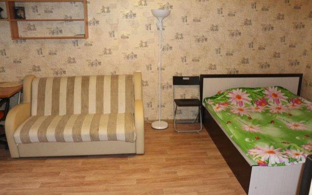 Гостиница Next to Molodezhnaya subway комната для гостей