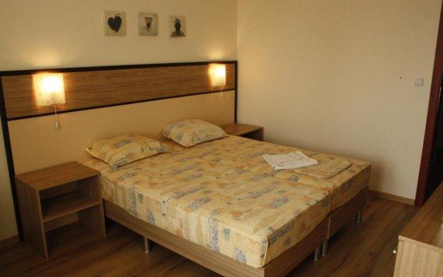 Апартаменты Golden House Apartments комната для гостей