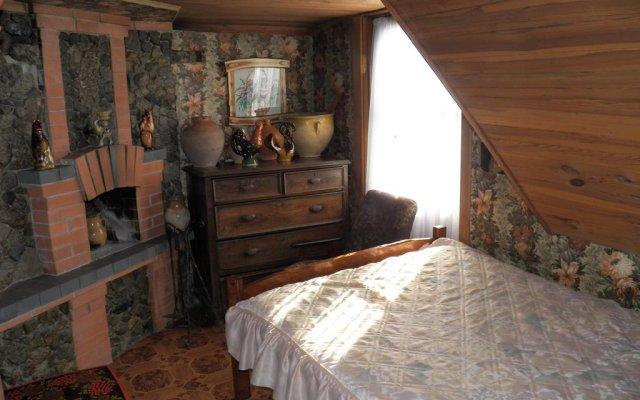 Гостиница Zelena Sadyba Holodnoyarskyi Zorepad комната для гостей