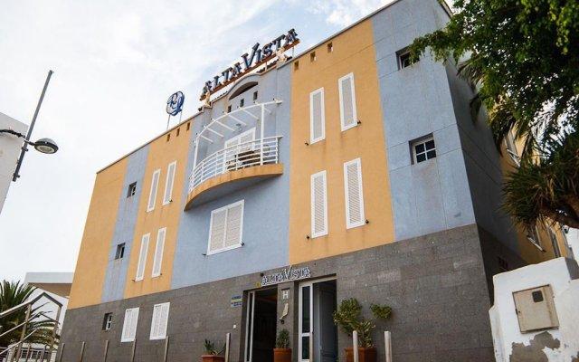 Отель Apartahotel Alta Vista вид на фасад