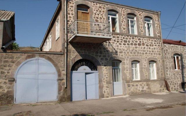 Отель Andranik B&B вид на фасад