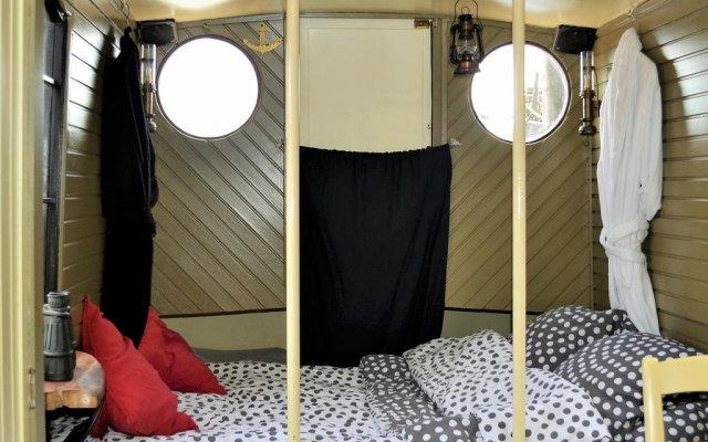 Отель Floating B&B Amsterdam Нидерланды, Амстердам - отзывы, цены и фото номеров - забронировать отель Floating B&B Amsterdam онлайн комната для гостей