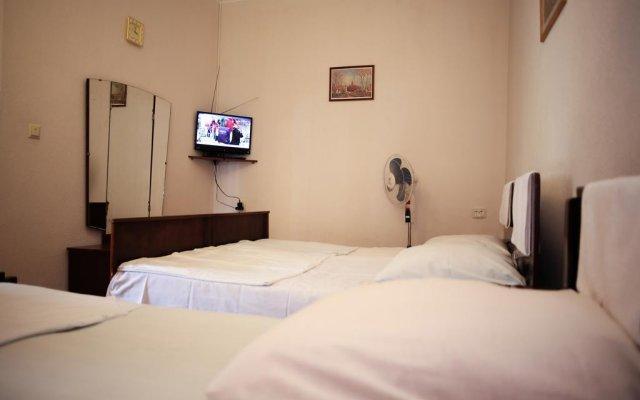 Отель Natalie's Guest house комната для гостей