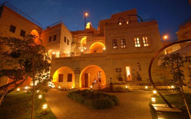 Tafoni Houses Cave Hotel Невшехир вид на фасад