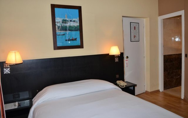 Hotel Yasmine комната для гостей