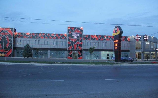 Georgia Hotel вид на фасад