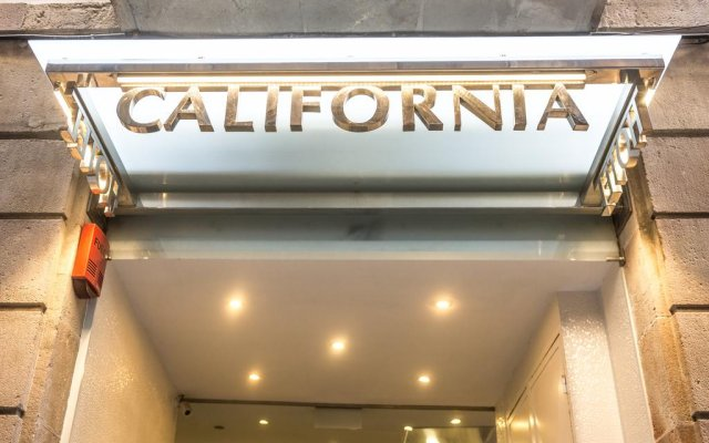 Отель California парковка
