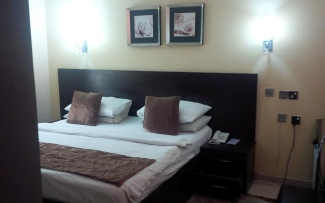 Отель GT-Maines Hotels & Suites комната для гостей