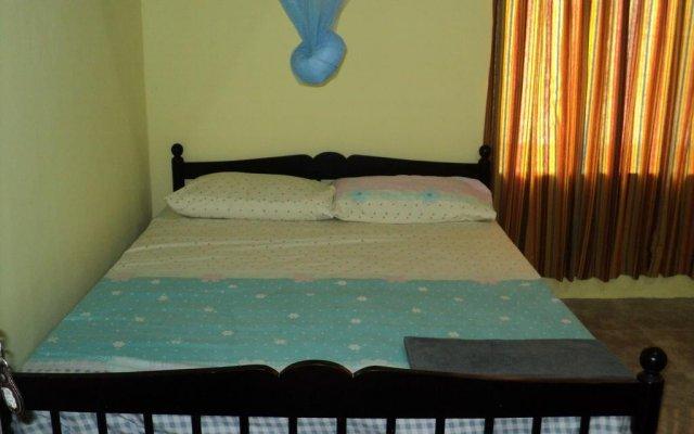Отель Leopard Den комната для гостей
