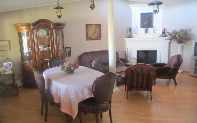 Отель Tsisana Guest House комната для гостей