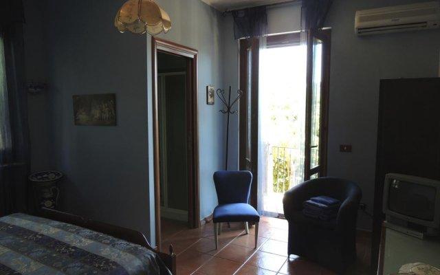 Отель The Oaks Сперлонга комната для гостей