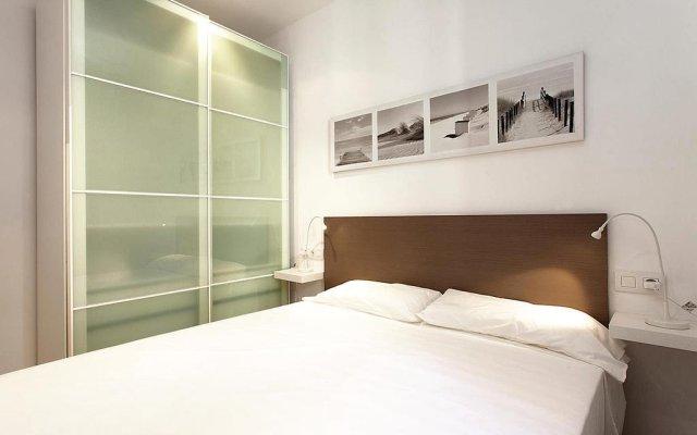 Апартаменты ClassBedroom Apartments VIII комната для гостей