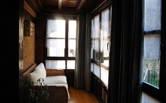 Отель Albergue TurÍstico ValdebarÓ Камалено комната для гостей