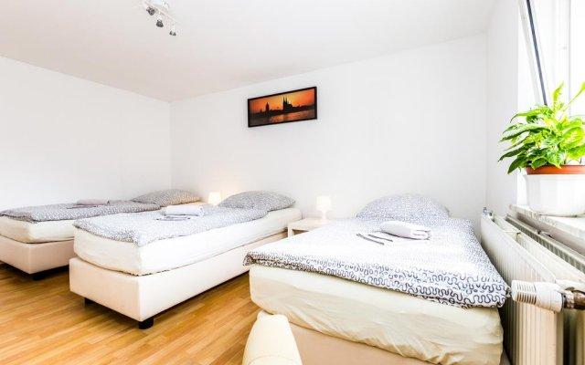 Апартаменты Apartment Köln Weidenpesch Кёльн комната для гостей