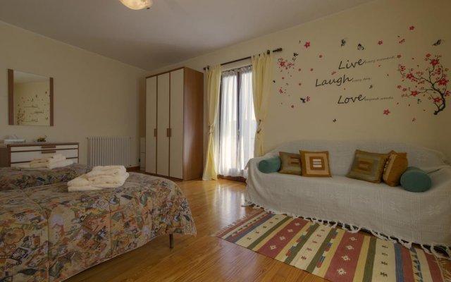 Отель The Cottage on the Lake Италия, Бавено - отзывы, цены и фото номеров - забронировать отель The Cottage on the Lake онлайн комната для гостей