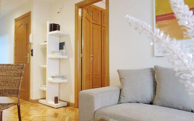 Отель Almaden Apartment Испания, Мадрид - отзывы, цены и фото номеров - забронировать отель Almaden Apartment онлайн комната для гостей