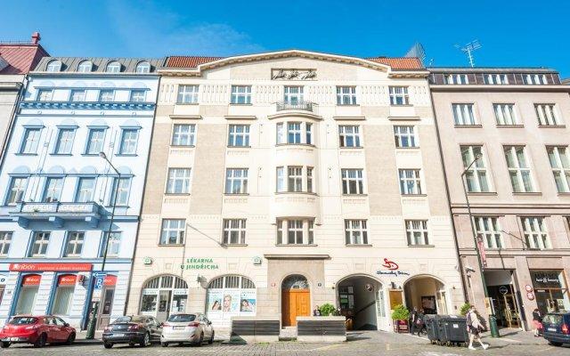 Апартаменты Slovansky Dum Boutique Apartments вид на фасад