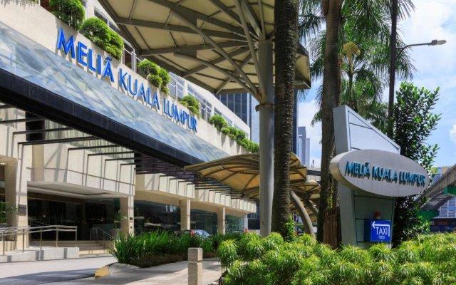 Отель Meliá Kuala Lumpur Малайзия, Куала-Лумпур - отзывы, цены и фото номеров - забронировать отель Meliá Kuala Lumpur онлайн вид на фасад