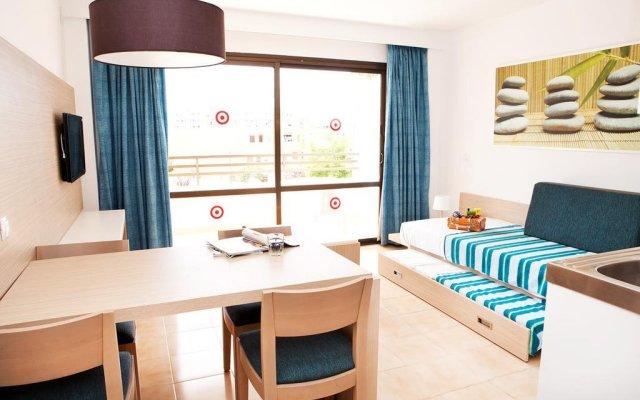 Отель Sol de Alcudia Apartamentos комната для гостей