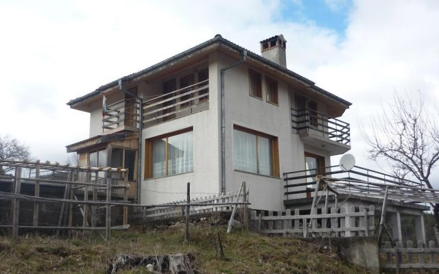 Отель Chitakovata House Guest House вид на фасад