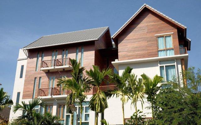 tapae gate villa chiang mai thailand zenhotels rh zenhotels com
