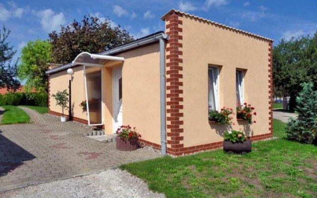 garten bungalow bungalow im garten, malchow, germany   zenhotels