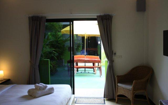 Отель Rawai Beach Studios комната для гостей